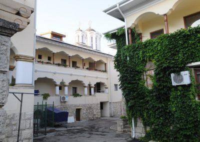 Curte Manastirea Sfanta Maria - Techirghiol 1