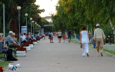 Odihna si relaxare in parcul de pe faleza lacului Techirghiol